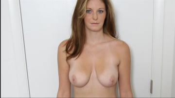 Amber - Sweet Blue Eyes Knows How To Have A Good Time