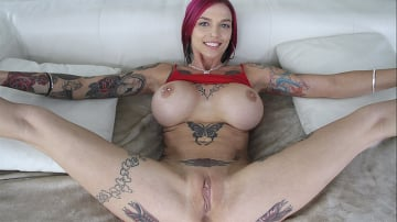 Anna Bell Peaks - Hot Milf squirts all over the dick!