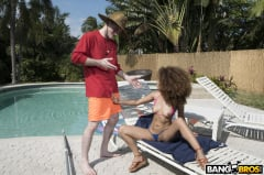 Cecilia Lion - Cecilia Lion Seduces The Pool Guy (Thumb 150)