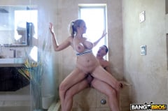 Julia Ann - Fucking The Stepson In The Shower (Thumb 272)