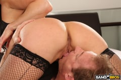 Kendra Lust - Kendra Lust Takes Control of The Thief (Thumb 196)
