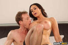 Kendra Lust - Kendra Lust Takes Control of The Thief (Thumb 448)