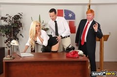 Luna Star - Luna's Visit to the Presidential Anal Office (Thumb 156)