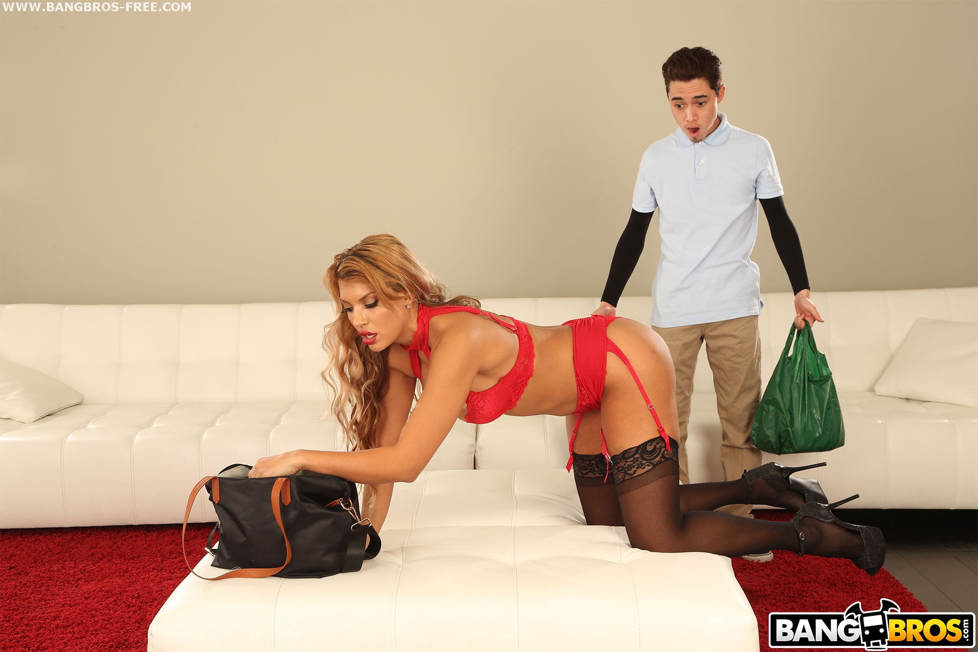 Bangbros 'Hot Milf Fucked Delivery Guy' starring Mercedes Carrera (photo 81)