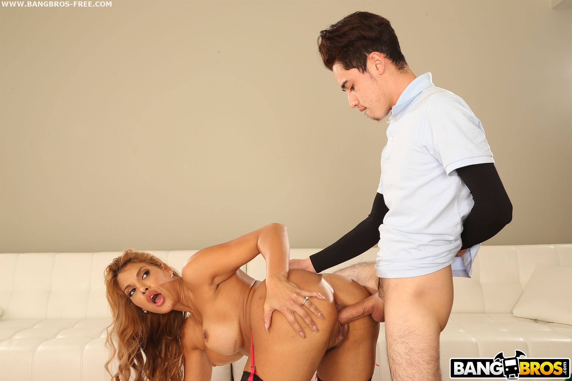 Bangbros 'Hot Milf Fucked Delivery Guy' starring Mercedes Carrera (photo 459)