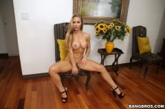 Nicole Aniston - Bath Time with Nicole (Thumb 84)