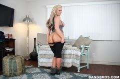 Phoenix Marie - Porn Star With A Big Ass! (Thumb 196)