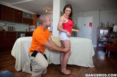 Rachel Roxxx - She'll be sticky after this massage (Thumb 20)