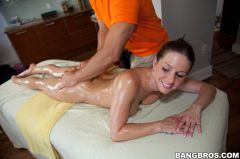 Rachel Roxxx - She'll be sticky after this massage (Thumb 160)