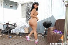Rose Monroe - Curvaceous Latina Enjoys Hardcore Anal Sex Outdoors (Thumb 27)