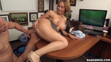 Samantha Bell - Big Booty Latina Gets Interviewed