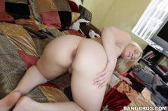 Sarah Vandella - Deep Throat Queen Sarah Vandella Takes Huge Cock (Thumb 95)