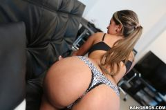 Sofia Perez - Pretty Smile with a Big Ass (Thumb 54)