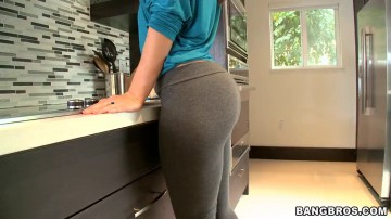 Stefania Mafra - Two Big Asses One Cup