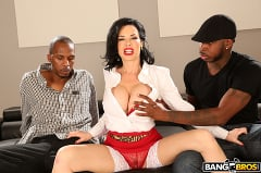 Veronica Avluv - Realtor Gets Double Penetration From Monstrous Cocks (Thumb 130)