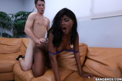 Yara Skye - Yara Skye is back after 3 month hiatus (Thumb 175)
