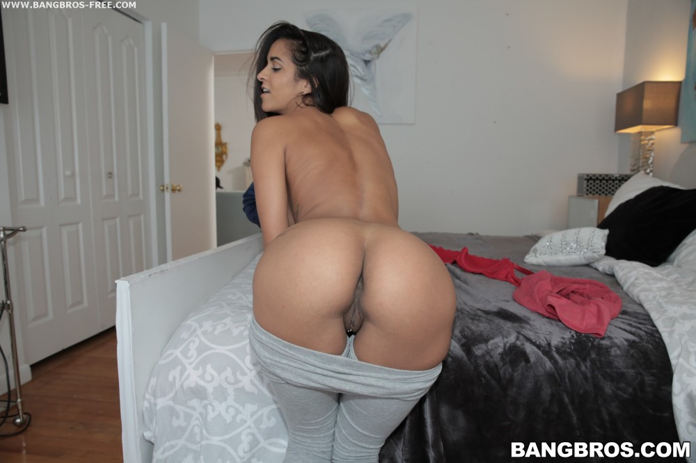 Young latina maid cleans cock