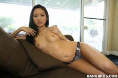 Alina Li - Cute Face Hand Job (Thumb 175)