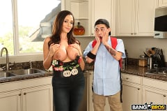 Ariella Ferrera - Borrowing Milk From my Neighbor (Thumb 96)