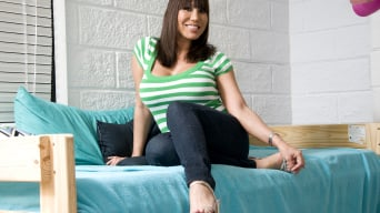 Ava Devine in 'The Amazing Ava Devine!!!'