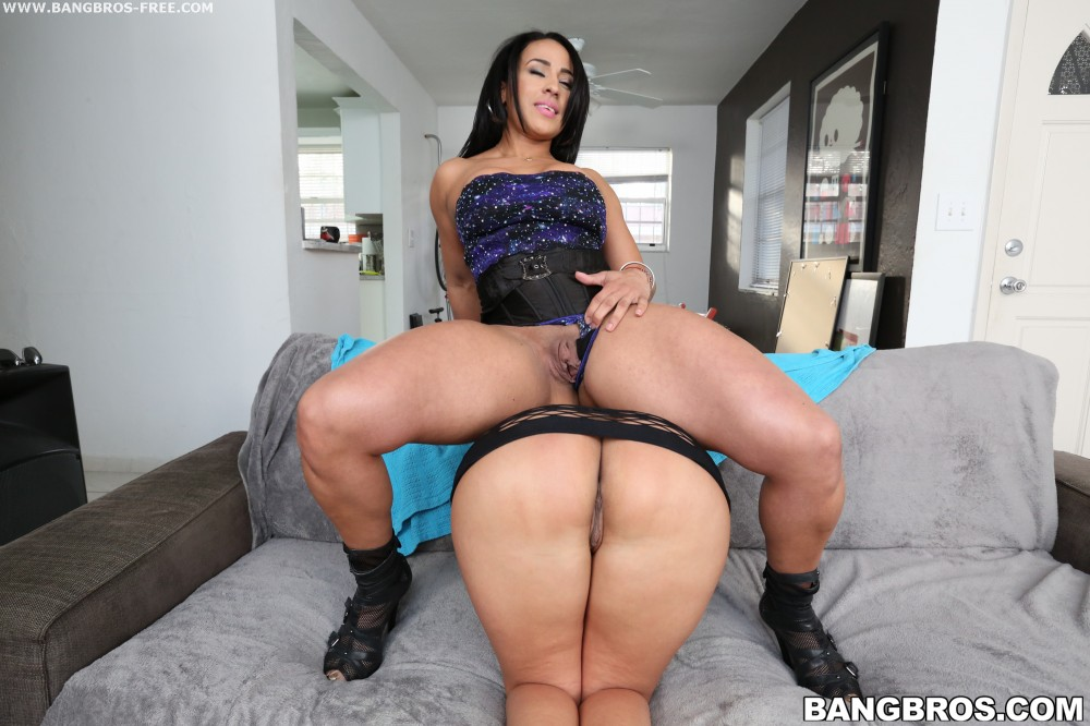 Milf big butts videos