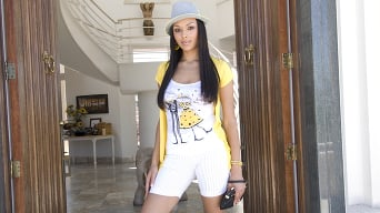 Bethany Benz in 'Has Ass and Tits'