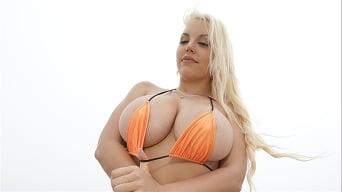 Blondie Fesser in 'Beach Fun With Blondie'