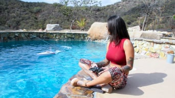Bonnie Rotten in 'squirts everywhere'