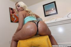 Britney Amber - Banging Britney Amber's Big Ass and Natural Tits (Thumb 45)