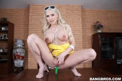 Christie Stevens - Anal Sex For The Sexy Christie Stevens! (Thumb 160)