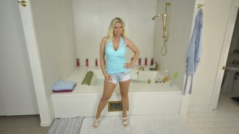 Devon Lee in 'Bathing With A MIlf'