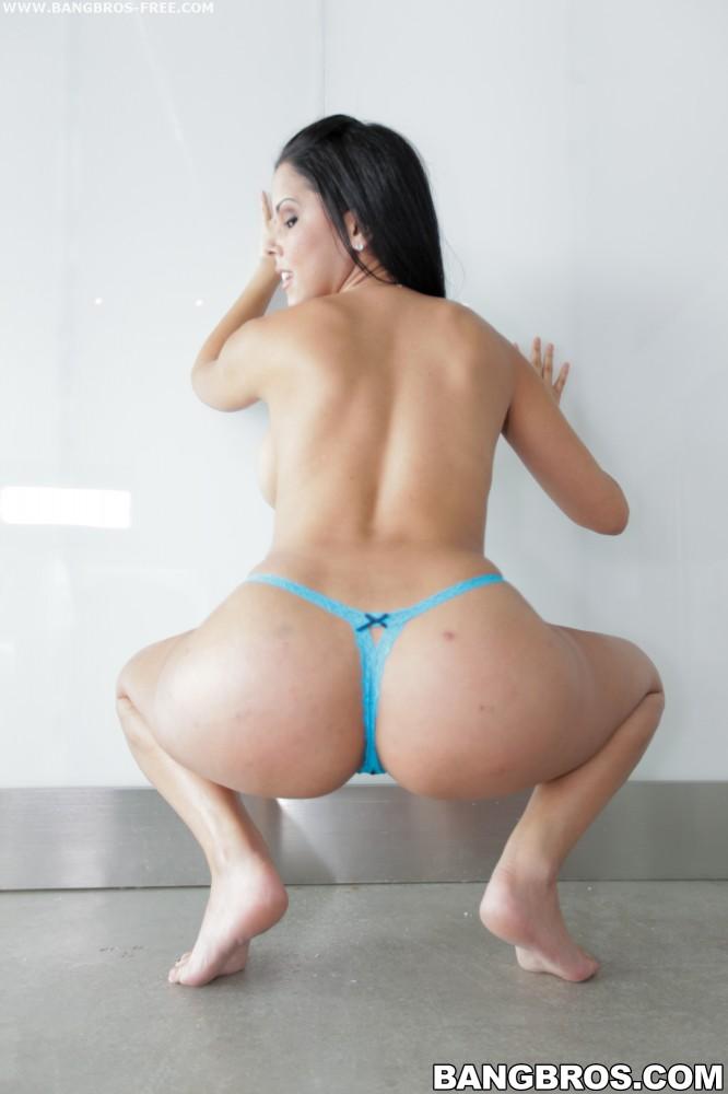 Black female bodybuilder nude
