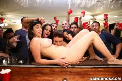 Diamond Kitty - Big pornstar party in the dorms (Thumb 84)
