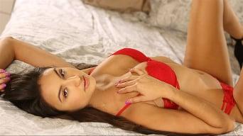 Eliza Ibarra en 'Shooting With Sexy Eliza Ibarra'