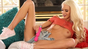 Emma Hix - Blonde Makes Juan Fuck Her Hard