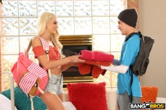 Emma Hix - Blonde Makes Juan Fuck Her Hard (Thumb 46)