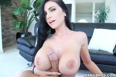 Emmanuelle London - London Makes Them Clap! (Thumb 675)