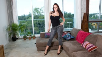 Gianna Michaels In 'Britney and Gianna Pussy Control'