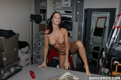 Jennifer Dark - Jennifer Dark in the Back Room (Thumb 60)