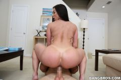 Kendra Lust - Miami Loves Kendra Lust's Big Tits And Ass (Thumb 275)