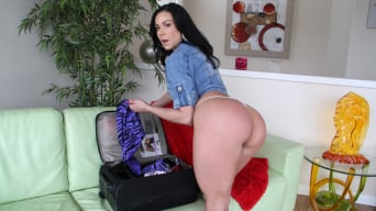 Kendra Lust in 'Milf craves some younger dick for her ass pounding'