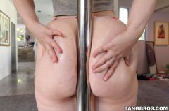 Lily Sincere - Petite Redhead Lily Sincere Gets Fucked By Huge Cock (Thumb 132)