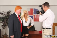Luna Star - Luna's Visit to the Presidential Anal Office (Thumb 234)