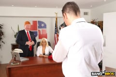 Luna Star - Luna's Visit to the Presidential Anal Office (Thumb 312)