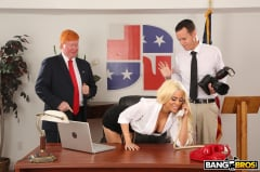 Luna Star - Luna's Visit to the Presidential Anal Office (Thumb 351)