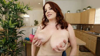 Maggie Green in 'Maggie Bounces Her Enormous Tits'