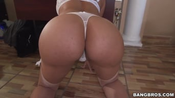 Mercedes Carrera in 'Our secretary has a big ass!'