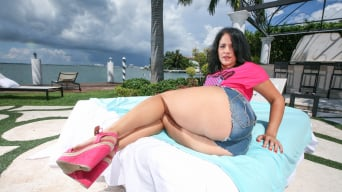 Miss Raquel in 'Anal sex on a sunny day'