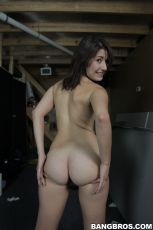 Missi Daniels - Back Room Blowjob (Thumb 34)