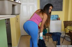 Nicole Rey - Cleaning Up With Nicole (Thumb 36)